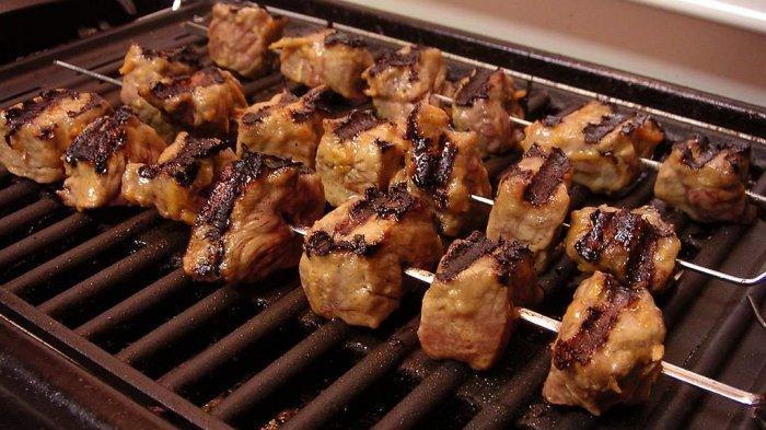 10 Tempat Makan Malam di Jogja, Nikmatnya Sate Klathak Pak Pong dan Pedasnya Gudeg Mercon Bu Tinah