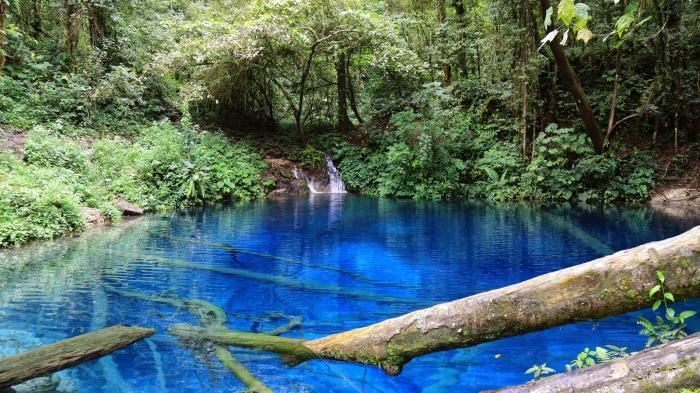 9 Danau Terunik di Jambi, Air di Danau Kaco Berwarna Bening Kebiruan Seperti Air Laut
