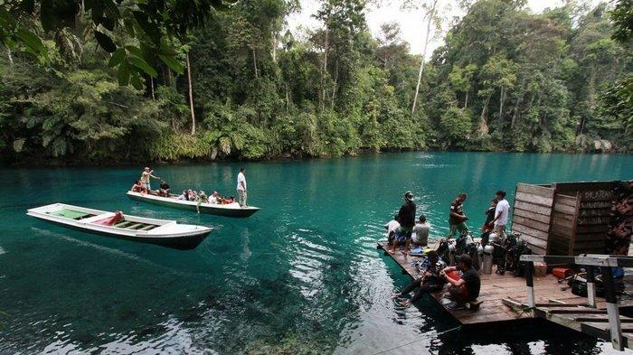 5 Danau Biru Paling Populer di Indonesia, Mulai Danau Weekuri hingga Labuan Cermin