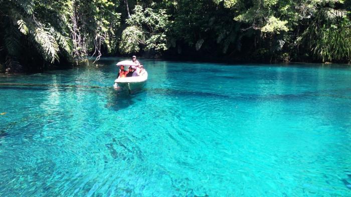 7 Tempat Wisata di Kalimantan Timur, Wajib ke Danau Sejernih Kaca