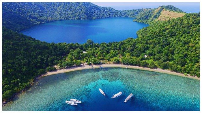 Danau Satonda NTB, Danau Air Asin di Tengah Laut yang Terbentuk oleh Fenomena Alam Langka