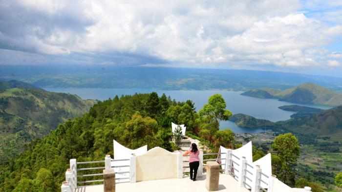 Destinasi Kelas Dunia, Wisatawan ke Danau Toba Melalui Bandara Silangit Naik Empat Kali Lipat