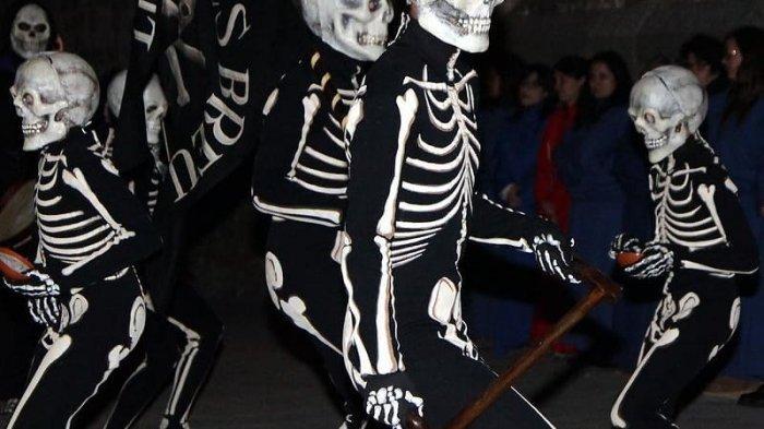 8 Tradisi Paskah dari Beberapa Negara, di Spanyol Ada Tarian Kematian dengan Kostum Kerangka