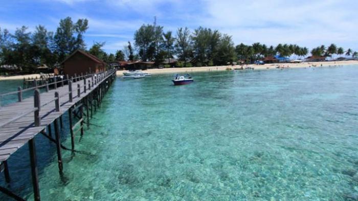 Open Trip Pulau Derawan - Long Weekend September, Nikmati Air 2 Rasa hingga Berenang dengan Hiu Paus