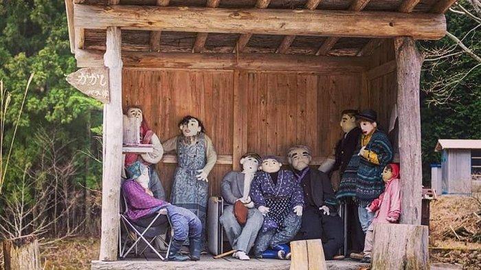 Keunikan Nagaro, Desa di Jepang yang Dihuni oleh Ratusan Boneka Seukuran Manusia
