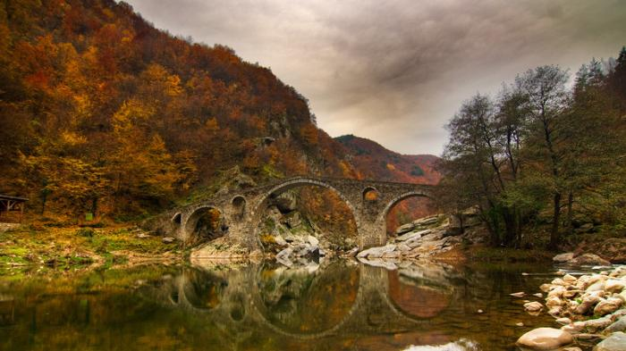 Devil's Bridge hingga Naica Mine, Ini 30 Destinasi di Dunia yang Memiliki Kesan Magis