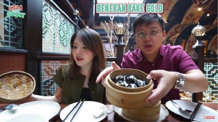 Kulineran di Restoran Artis Crazy Rich, Berasa Sultan Makan Dimsum Berlapis Emas