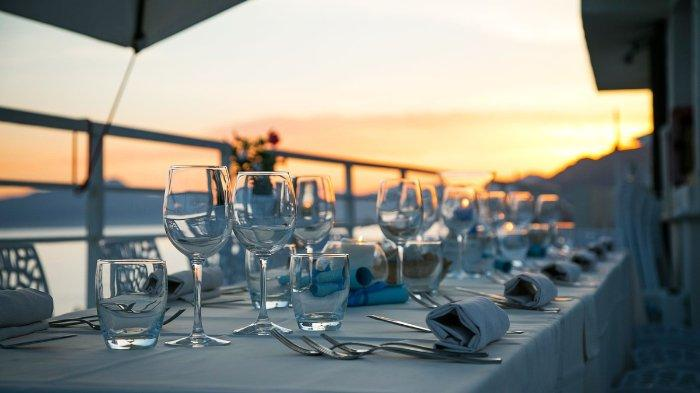 7 Tempat Terbaik di Bali Untuk Menikmati Sunset, Ada Jimbaran Tempat Makan Malam Romantis