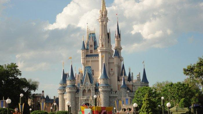 Masuk Tanpa Izin, Seleb TikTok Ini Diblacklist dari Disney World Seumur Hidup