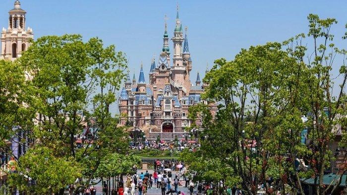 Kembali Dibuka Pasca Pandemi Covid-19, Tiket Shanghai Disneyland Terjual Habis dalam Hitungan Menit