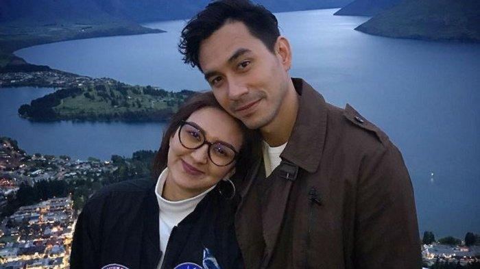 Pakai Motor, Darius Sinathrya dan Istri Akan Berpetualang di Pegunungan Himalaya