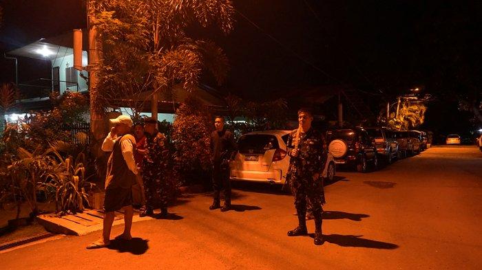 Penjagaan di depan rumah Duterte