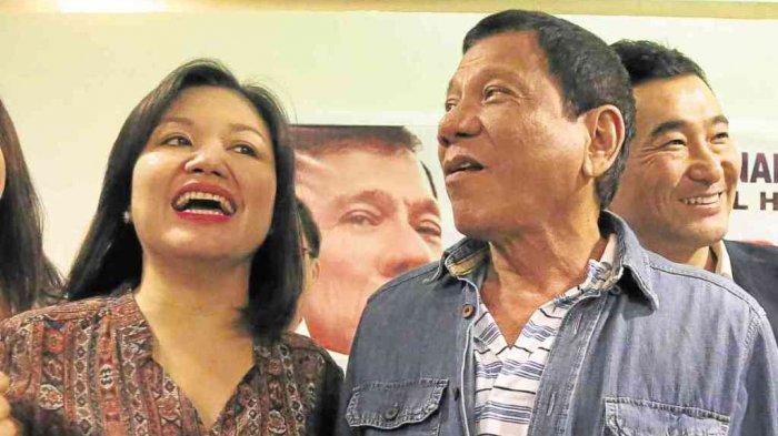Bertandang ke Rumah Duterte, Disapa dan Berbincang dengan Ibu Negara Filipina
