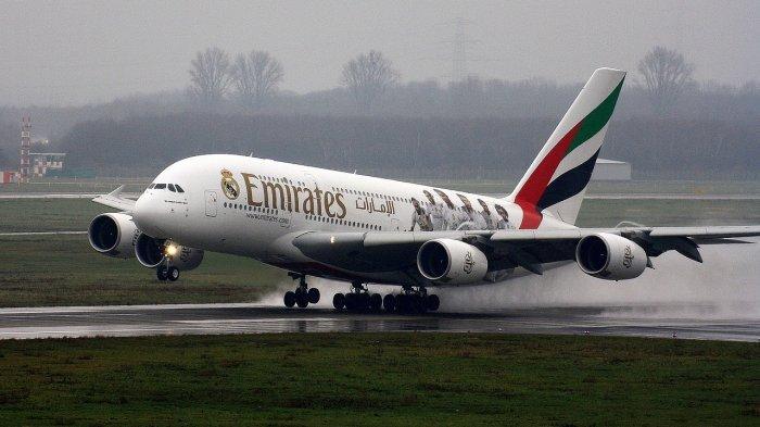 Ilustrasi - Emirates merencanakan penerbangan khusus yang hanya akan membawa penumpang dan awak yang sudah divaksinasi.