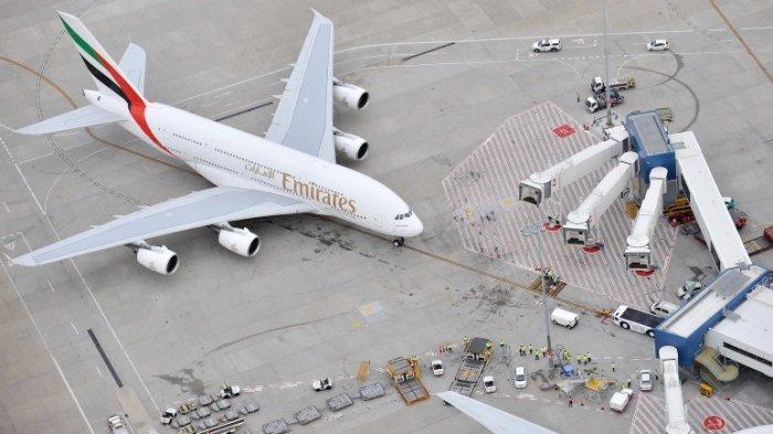Emirates A380 Super-Jumbo.