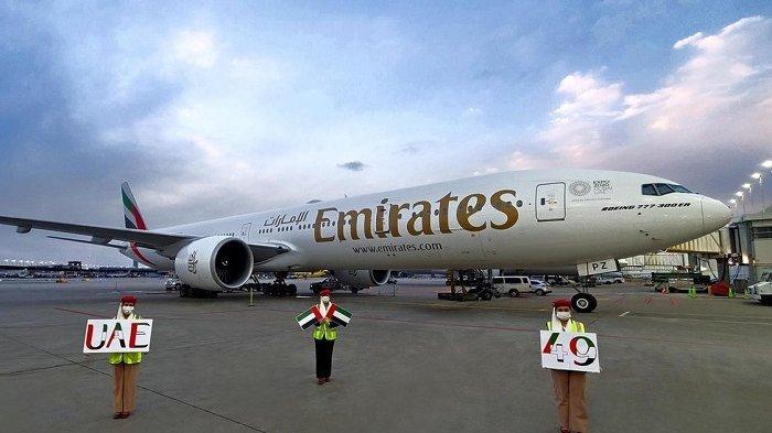 Emirates Rayakan Hari Nasional ke-49 UEA dengan Pengibaran Bendera di 6 Benua