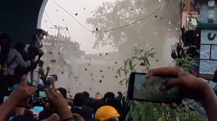 Festival Kairuppala - Ngeri! Bukan Tomat atau Jeruk, India Punya Agenda Tahunan Lempar Kotoran Sapi