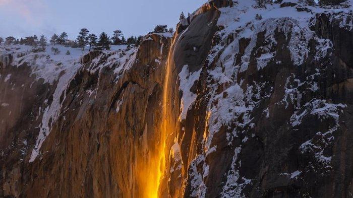 Melihat Keindahan Fenomena 'Firefall' Langka Namun Menakjubkan di Taman Nasional Yosemite