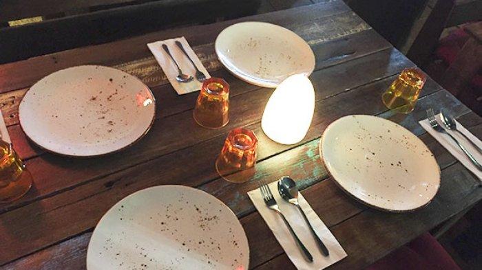 Deretan Keanehan Restoran Ini Bikin Dahi Pengunjung Berkerut Saat Melihatnya, No 12 Parah Banget!