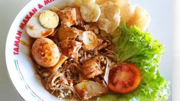5 Gado-gado Enak di Jogja untuk Sarapan, Lezatnya Gado-gado Bu Hadi dengan Sambal Kacang Kental