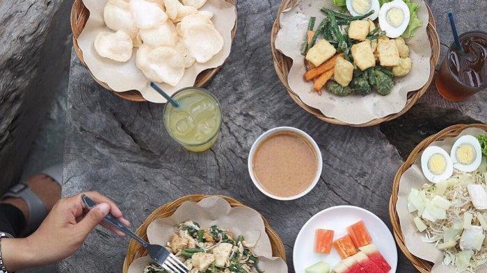 5 Kuliner Jogja Buat Menu Makan Siang, Cobain Gado-gado Bu Hadi dengan Sambal Kacangnya yang Mantap