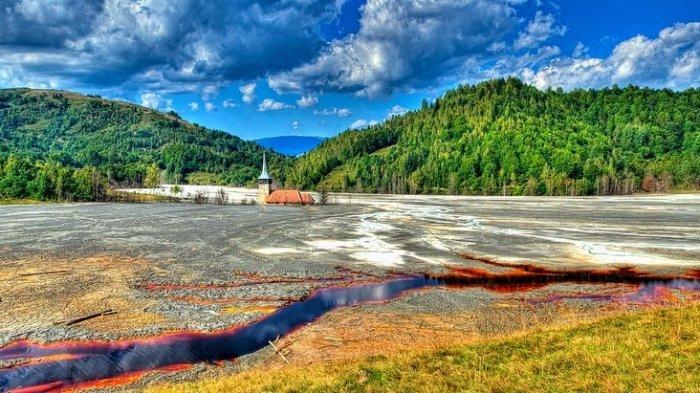 Mengenal Lebih Dekat Geamana, Desa di Rumania yang Berubah jadi Danau Beracun