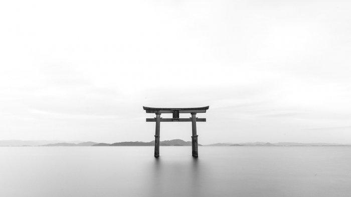 Koper Berisi Mayat Ditemukan di Tepi Danau Terbesar di Jepang