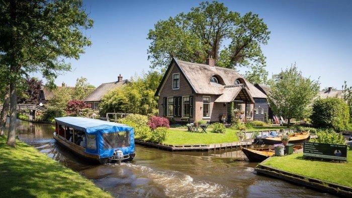 Desa Giethoorn