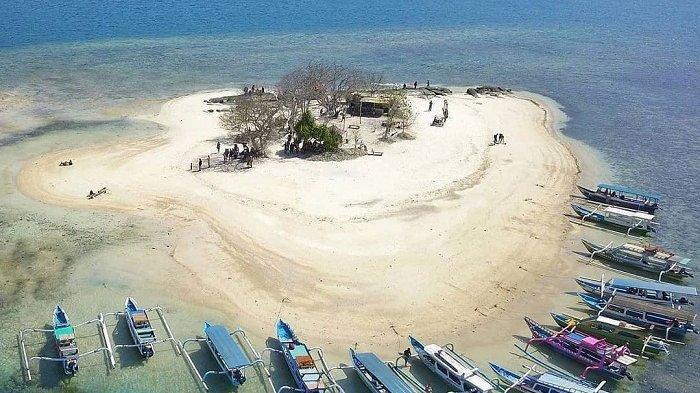 TRAVEL UPDATE: Intip Pesona Gili Kedis, Pulau Mungil Eksotis di Lombok dengan Suasana Tenang