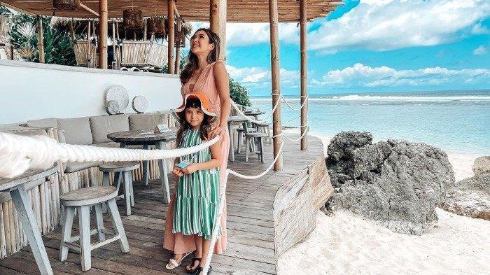Momen Gisella Anastasia Liburan di Bali, Tampil Kompakan Bareng Gempi
