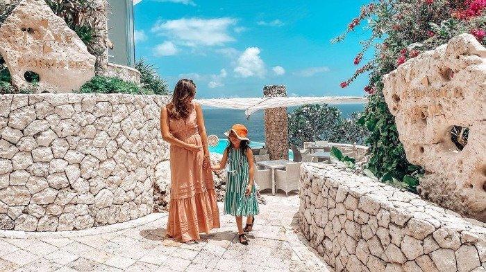 Momen seru Gisella Anastasia dan Gempita saat liburan ke Bali.