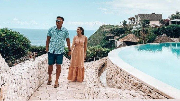 Momen seru Gisella Anastasia dan Wijin saat liburan ke Bali.