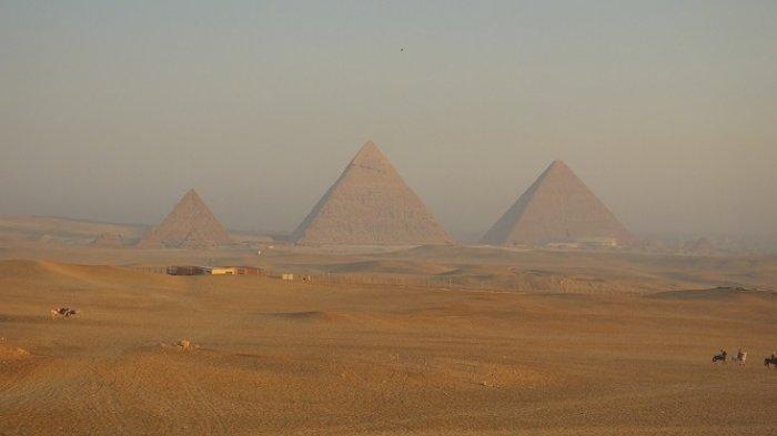 Piramida Giza dan 5 Tempat di Bumi yang Bisa Dilihat Astronot dari Ruang Angkasa