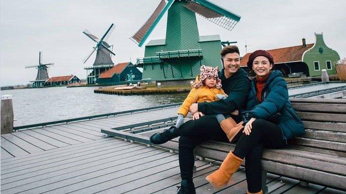 10 Potret Glenn Alinskie dan Chelsea Olivia Saat Liburan ke Belanda, Momen Nostalgia 10 Tahun Lalu