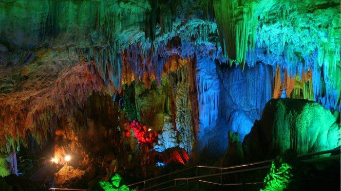 Keindahan Gua Gong yang dikenal sebagai gua terindah se Asia Tenggara