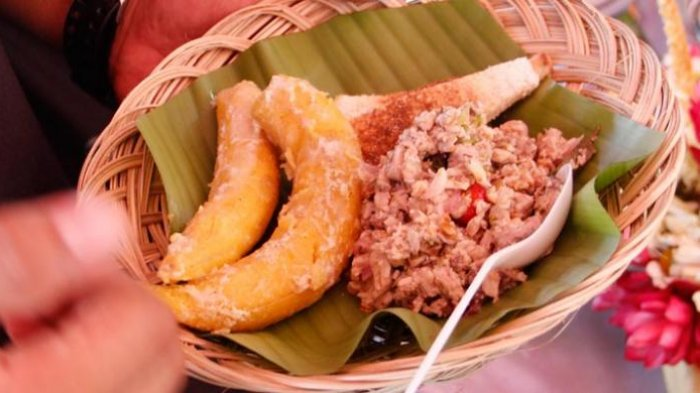 Gohu ikan khas Ternate yang dibuat dari ikan tuna mentah.