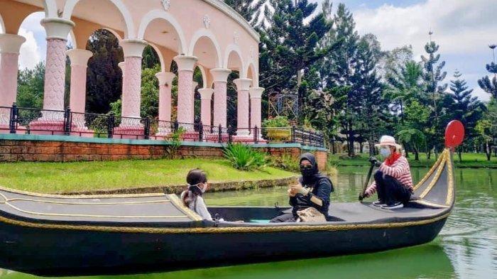 Gondola di Little Venice Cianjur
