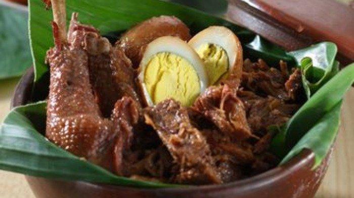 Kuliner gudeg untuk menu makan malam, Rabu (22/7/2020).