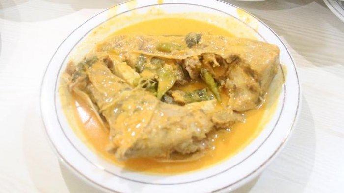 Sama-sama dari Ranah Minang, Apa Perbedaan Nasi Padang dan ...