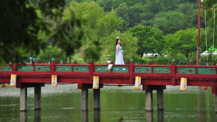 Pesona Danau Gungnamji Pond, Lokasi Syuting Drama Korea Mr Queen yang Menawan