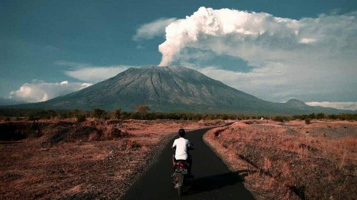 Gunung Agung.