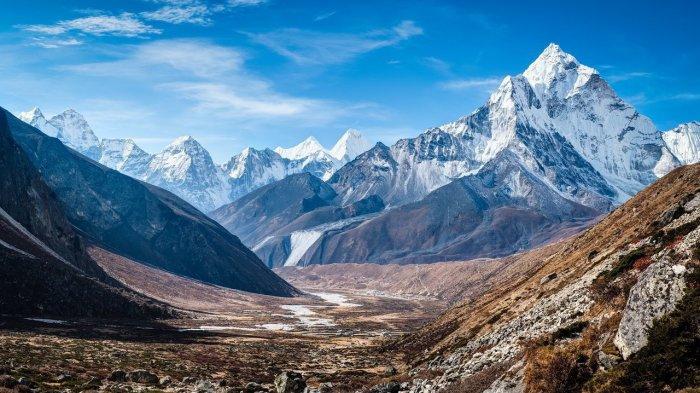 8 Gunung Dengan Pemandangan Terbaik Di Dunia Ini Bikin Kaki Pendaki