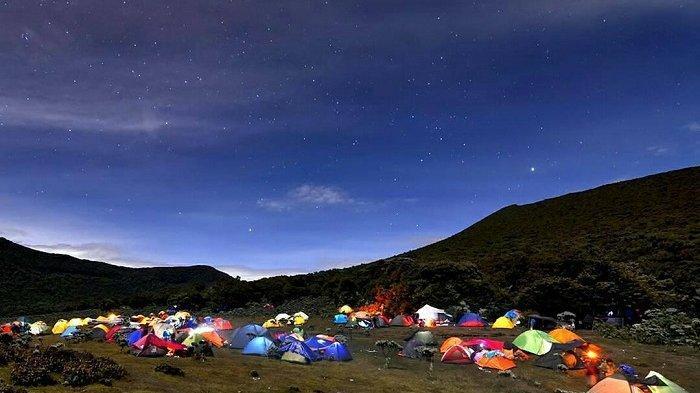 Sempat Ditutup Akibat Cuaca Ekstrem, Jalur Pendakian Gunung Gede Pangrango Kini Buka Kembali