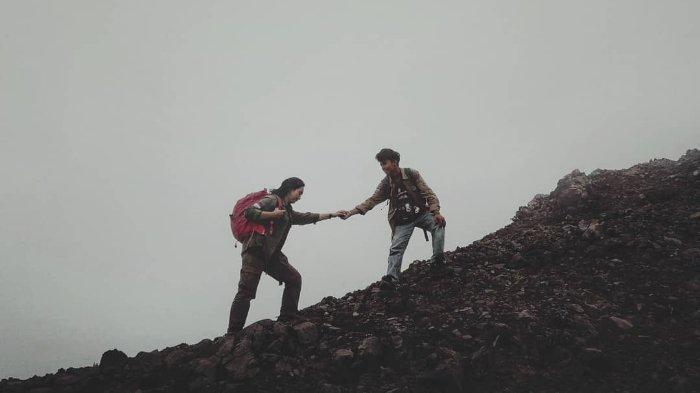 Jalur Pendakian 8 Gunung di Indonesia Sudah Dibuka Kembali dengan Menerapkan Protokol Baru