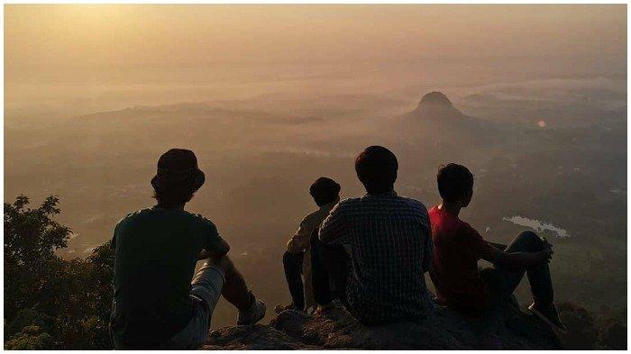 5 Wisata Gunung di Bogor untuk Melepas Penat Sambil Nikmati Udara Sejuk