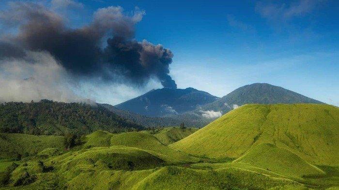 Erupsi Gunung Raung, Bandara Internasional Banyuwangi Masih Ditutup