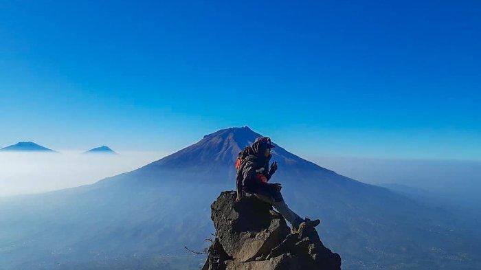 Terjadi Kebakaran, Semua Jalur Pendakian Gunung Sindoro Ditutup Sementara
