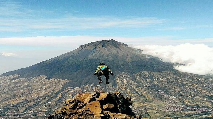 Download Gunung Sindoro Ketinggian Gif