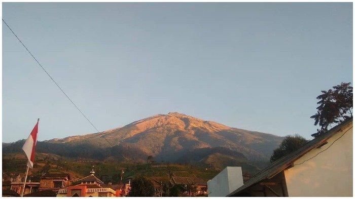 Pendakian Gunung Sumbing Jalur Kaliangkrik Dibuka Kembali Mulai 15 Juli
