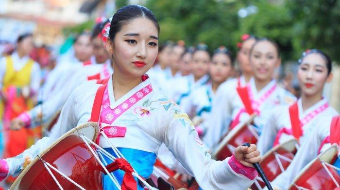 Tak Hanya Soal Drama Korea, Ini 8 Potret Unik yang Hanya Ditemui di Korea Selatan